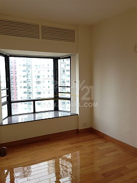 Apartment / Flat / Unit | ROBINSON RD 103, PANORAMA GDN, Hong Kong 5
