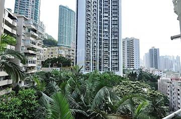 Apartment / Flat / Unit | MACDONNELL RD 114-120, GROSVENOR HSE, Hong Kong 1