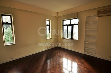 Apartment / Flat / Unit | MACDONNELL RD 114-120, GROSVENOR HSE, Hong Kong 4