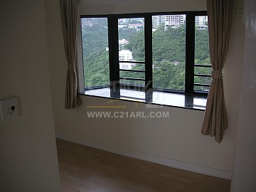 37 REPULSE BAY RD TWR 03