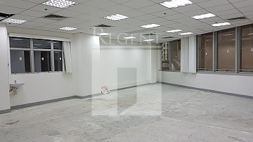 135 BONHAM STRAND TRADE CTR (文咸東街135商業中心)